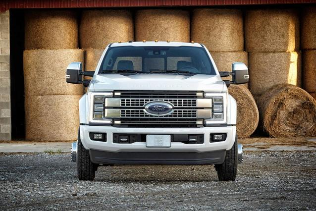 2019 Ford Super Duty F-450 DRW XL Crew Cab Pickup Slide 0
