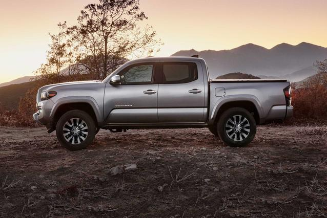 2020 Toyota Tacoma LIMITED LIMITED DOUBLE CAB 5' BED V6 AT Double Cab Slide 0