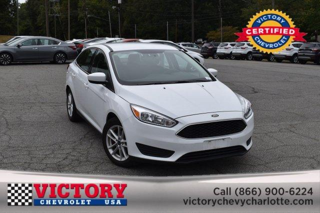 2018 Ford Focus SE 4dr Car Slide 0