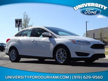 2016 Ford Focus SE 4dr Car Slide