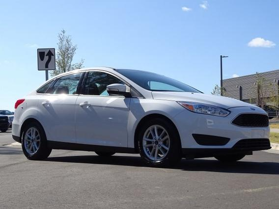 2016 Ford Focus SE 4dr Car Slide 0