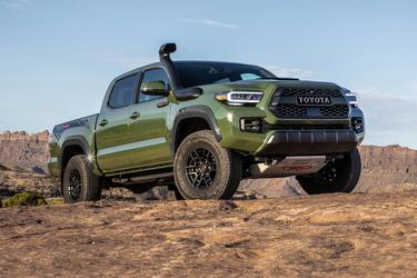 2020 Toyota Tacoma 4WD TRD PRO TRD PRO DOUBLE CAB 5' BED V6 AT Crew Cab Pickup Slide