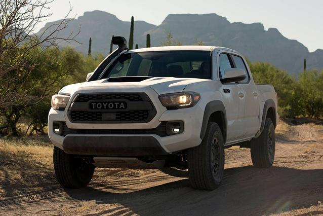 2019 Toyota Tacoma TRD OFF-ROAD 4x4 TRD Off-Road 4dr Double Cab 5.0 ft SB 6A Slide 0