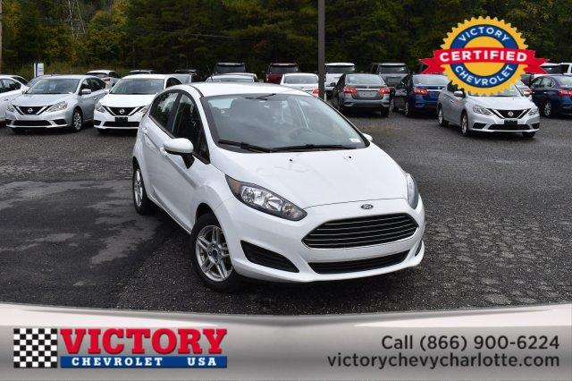 2018 Ford Fiesta SE Hatchback Slide 0