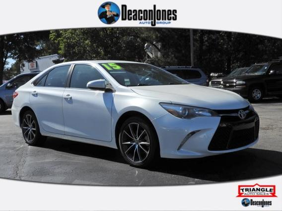 2015 Toyota Camry XSE 4dr Car Slide 0