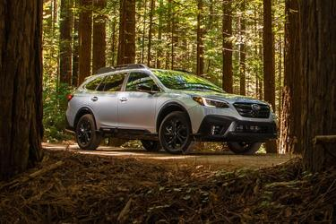 2020 Subaru Outback LIMITED SUV Slide 0