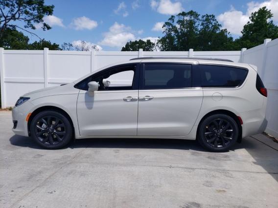 2019 Chrysler Pacifica TOURING L Mini-van, Passenger Slide 0