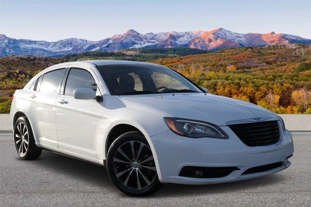 2013 Chrysler 200 TOURING 4dr Car Slide 0