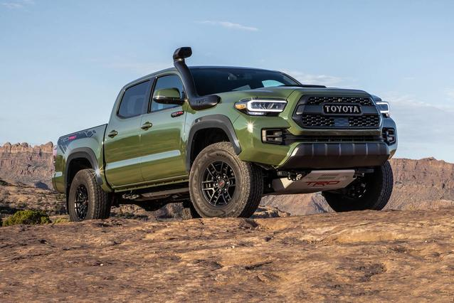 2020 Toyota Tacoma 4WD TRD SPORT TRD SPORT DOUBLE CAB 5' BED V6 AT Crew Cab Pickup Slide 0
