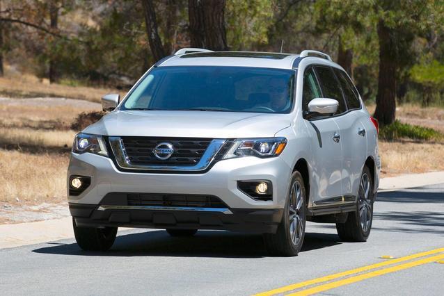 2020 Nissan Pathfinder S SUV Slide 0