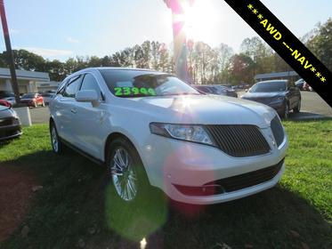 White Platinum Metallic Tri-Coat 2015 Lincoln MKT EcoBoost SUV Rocky Mount NC