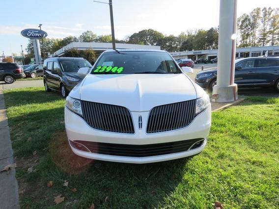 2015 Lincoln MKT ECOBOOST SUV Slide 0