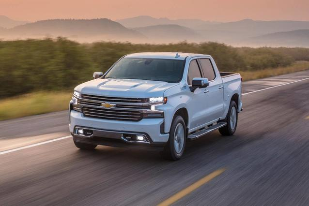2020 Chevrolet Silverado 1500 CUSTOM TRAIL BOSS Crew Cab Pickup Slide 0