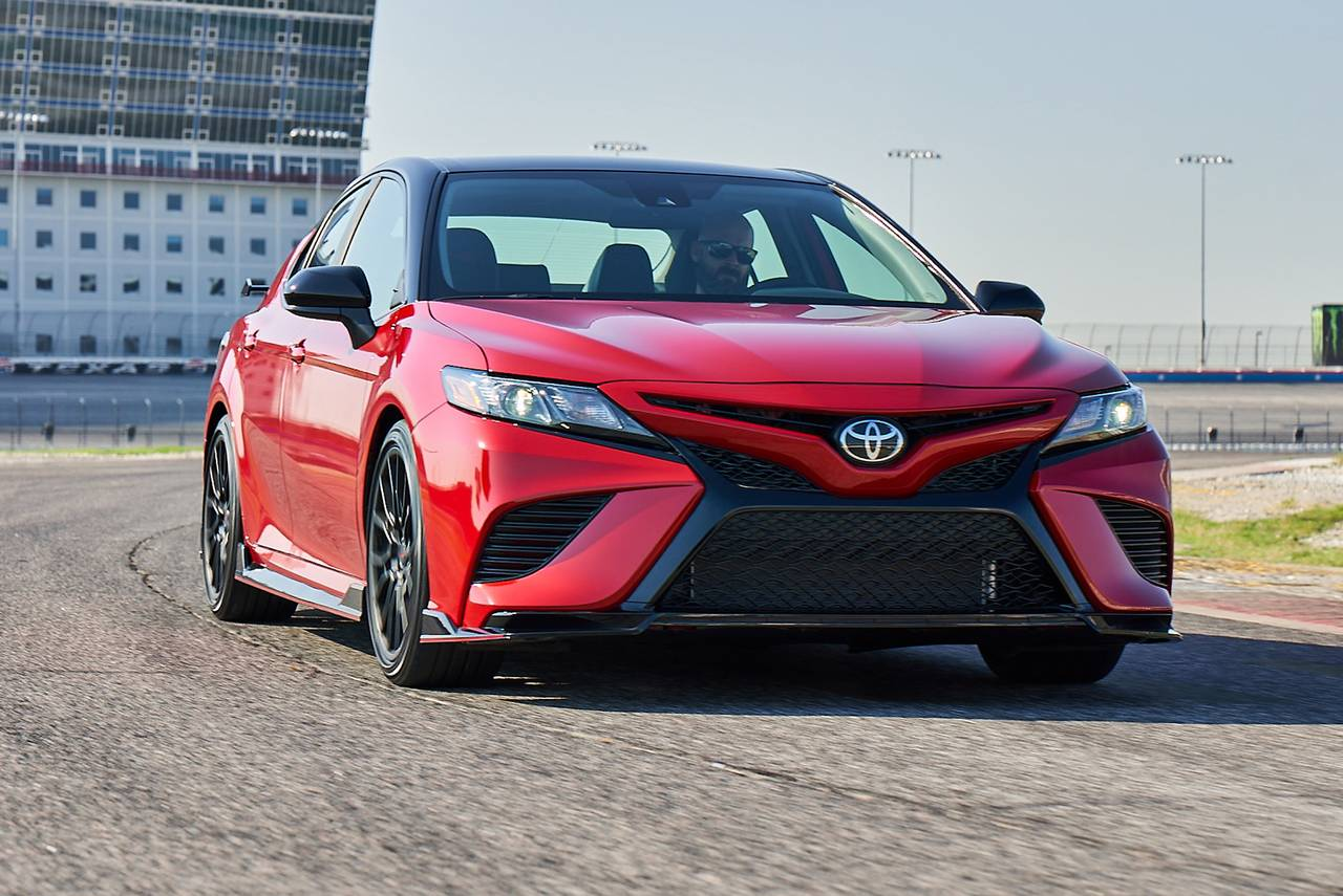 2020 Toyota Camry XSE 4dr Car Slide 0