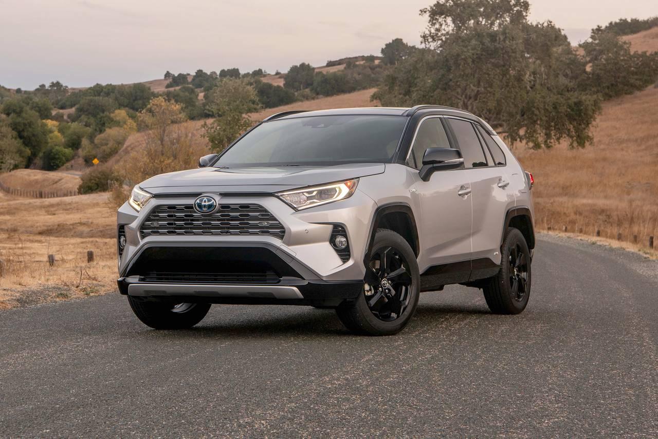 2020 Toyota RAV4 Hybrid XLE AWD XLE 4dr SUV Slide 0