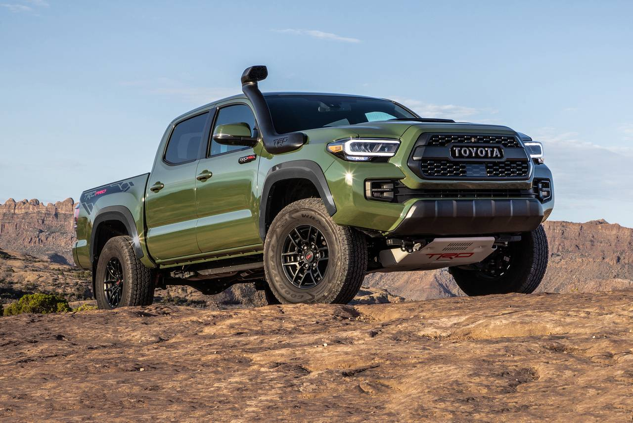 2020 Toyota Tacoma TRD OFF-ROAD 4x4 TRD Off-Road 4dr Double Cab 5.0 ft SB 6A Slide 0