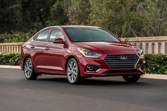2020 Hyundai Accent SE 4dr Car Slide 0