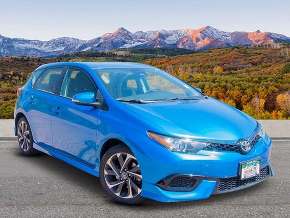 2017 Toyota Corolla iM BASE Hatchback Slide 0