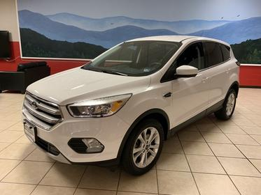 Oxford White 2017 Ford Escape SE SUV Manassas VA