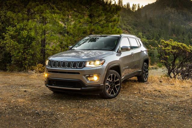 2020 Jeep Compass TRAILHAWK SUV Slide 0