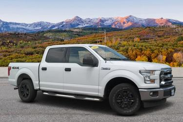 2017 Ford F-150 XLT Crew Cab Pickup Slide