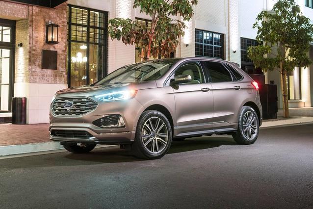 2020 Ford Edge TITANIUM SUV Slide 0