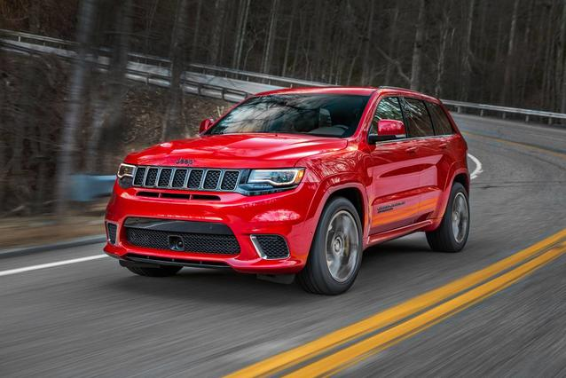 2020 Jeep Grand Cherokee LAREDO E SUV Slide 0