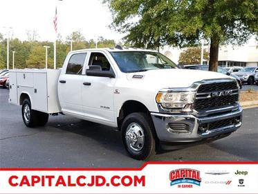 Bright White Clearcoat 2019 RAM 3500 Chassis Cab TRADESMAN Crew Cab Chassis-Cab Garner NC