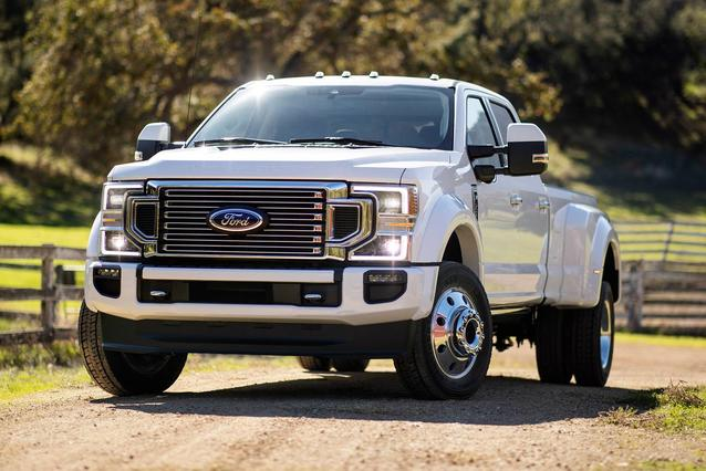 2020 Ford F-450SD PLATINUM Crew Cab Pickup Slide 0