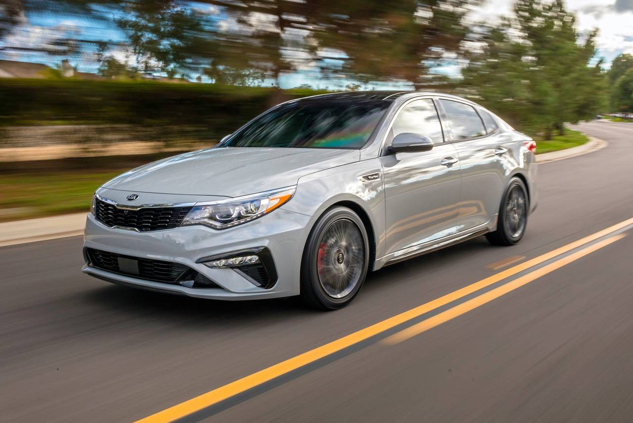 2020 Kia Optima SE 4dr Car Slide 0