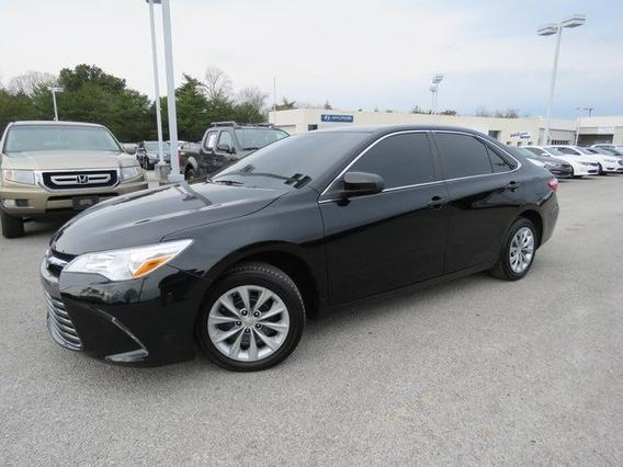 2015 Toyota Camry LE Slide 0