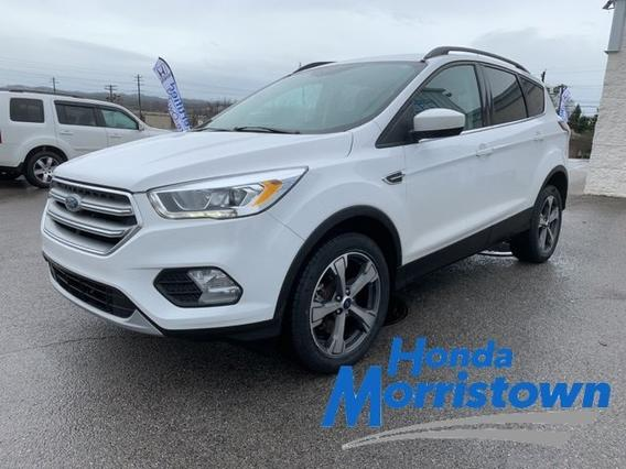 2017 Ford Escape SE Slide 0