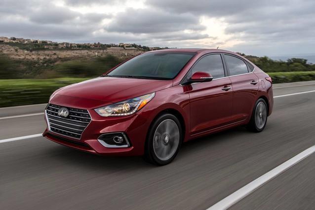 2020 Hyundai Accent SEL 4dr Car Slide 0