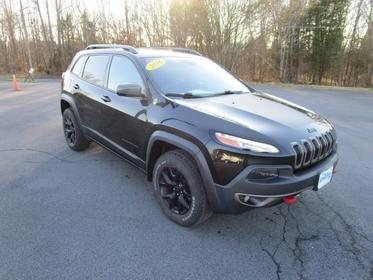 2016 Jeep Cherokee TRAILHAWK Slide