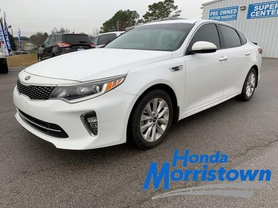 2018 Kia Optima S Slide 0