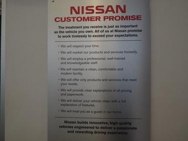2016 Nissan Versa Note S PLUS Slide