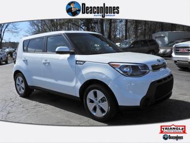 Clear White 2016 Kia Soul BASE Hatchback  NC