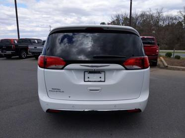 2018 Chrysler Pacifica TOURING PLUS Mini-van, Passenger Garner NC