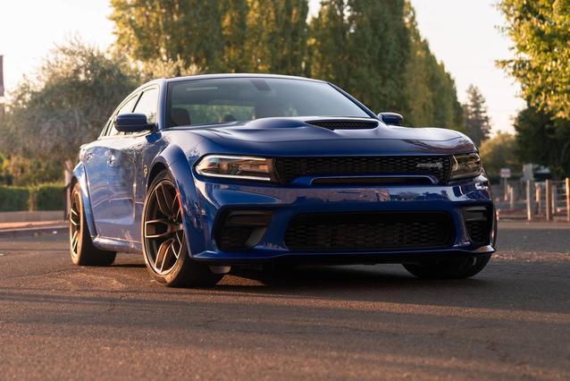 2020 Dodge Charger GT 4dr Car Slide 0