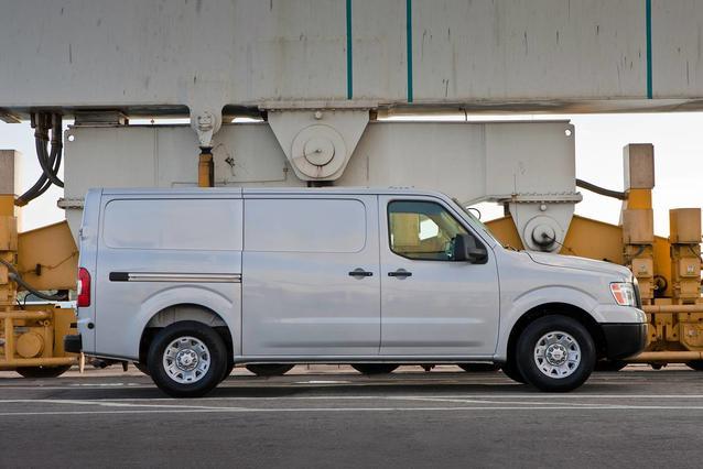 2020 Nissan NV2500 HD S Van Slide 0
