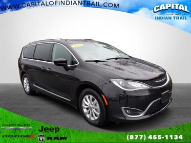Brilliant Black Crystal Pearlcoat 2018 Chrysler Pacifica TOURING L Mini-van, Passenger Indian Trail NC