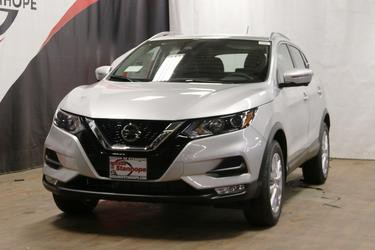 Brilliant Silver Metallic 2020 Nissan Rogue Sport SV SUV Stanhope NJ