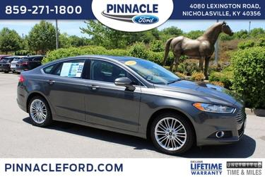 2016 Ford Fusion SE 4dr Car Slide
