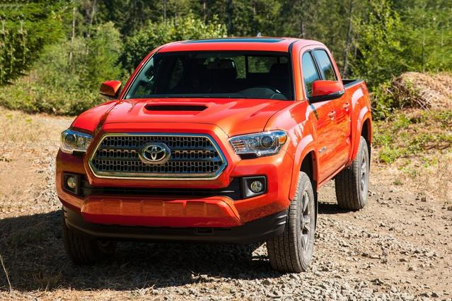 2017 Toyota Tacoma TRD SPORT Long Bed Slide 0
