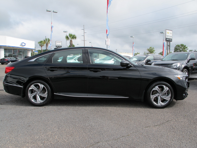 2018 Honda Accord EX-L EX-L 4dr Sedan (2.0T I4) Slide