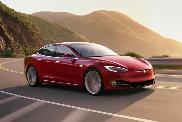 2018 Tesla Model S 75D Hatchback Slide 0