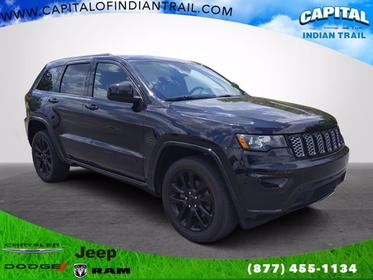 2017 Jeep Grand Cherokee ALTITUDE Sport Utility Slide