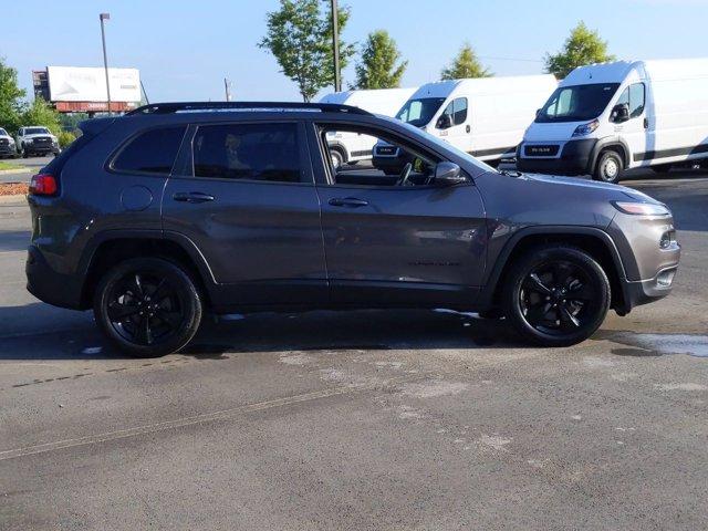 2018 Jeep Cherokee LATITUDE Sport Utility Slide