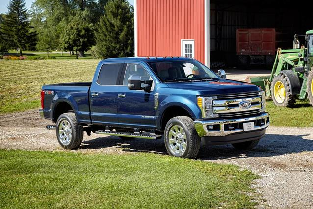 2020 Ford F-250SD PLATINUM Crew Cab Pickup Slide 0