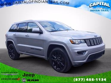 2017 Jeep Grand Cherokee ALTITUDE Sport Utility Slide 0